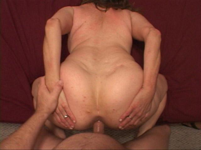 Lupita anal